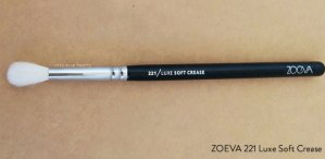 zoeva-221-soft-crease-brush-full