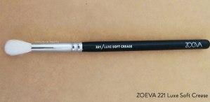 zoeva-221-soft-crease-brush-full